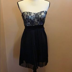 💖💖Black dress with pleated skirt💖💖